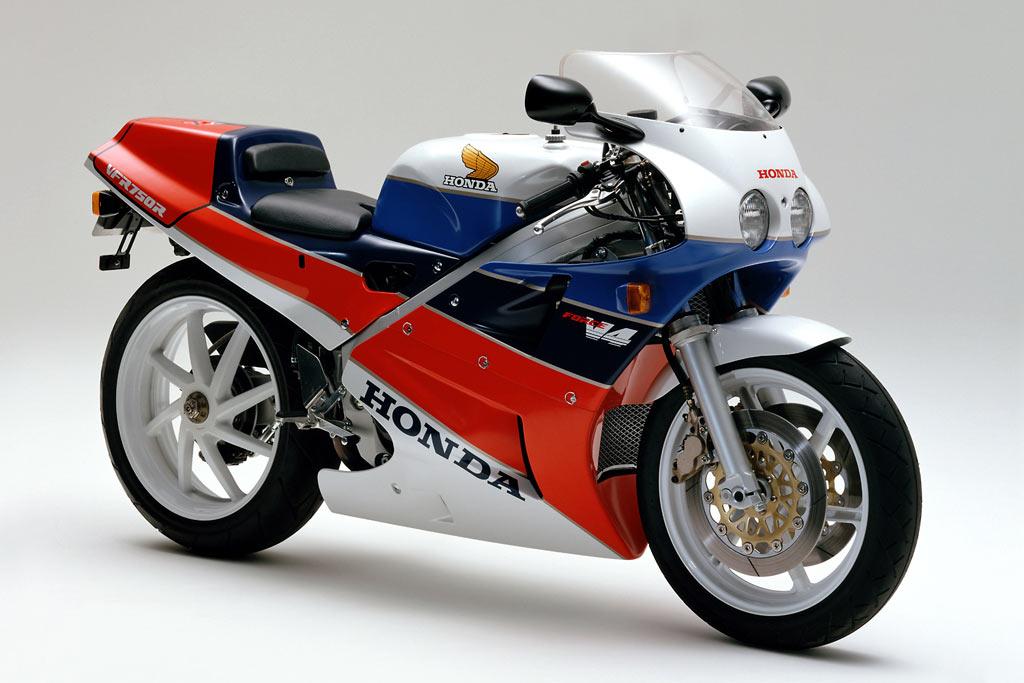 VFR750R RC30